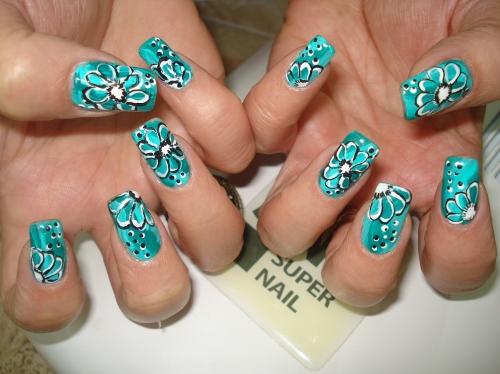 рисунки на ногтях цветы: