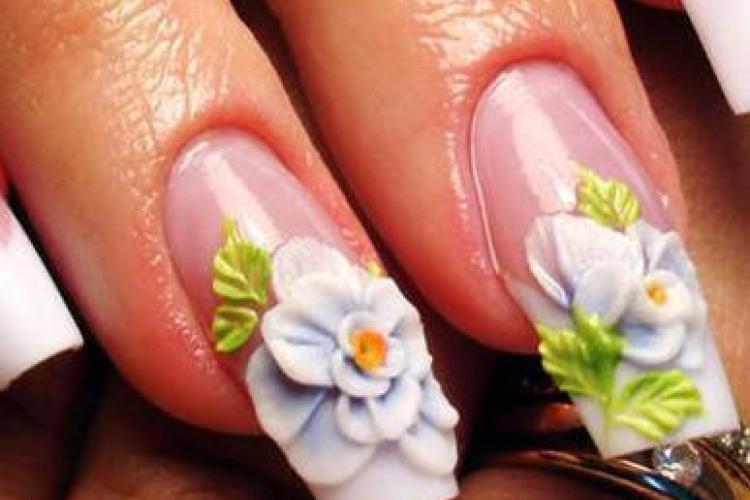Уход за нарощенными ногтями
