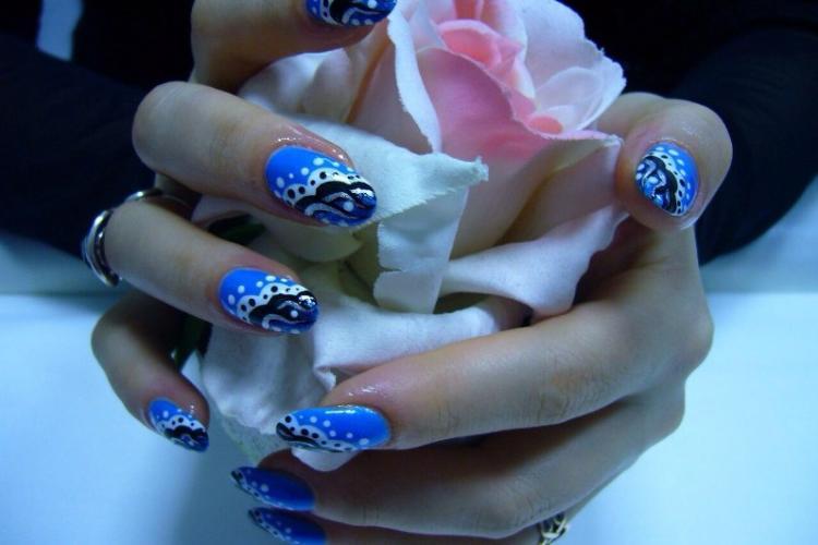 Наращивание ногтей: мифы и реальность