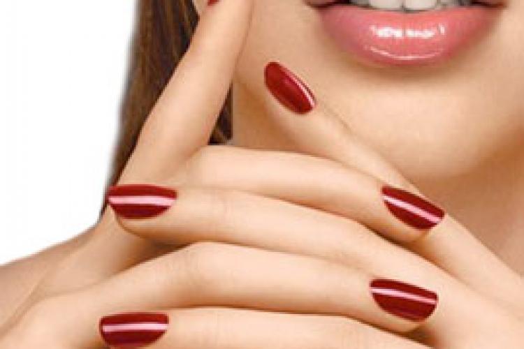 Легкий маникюр на коротких ногтях