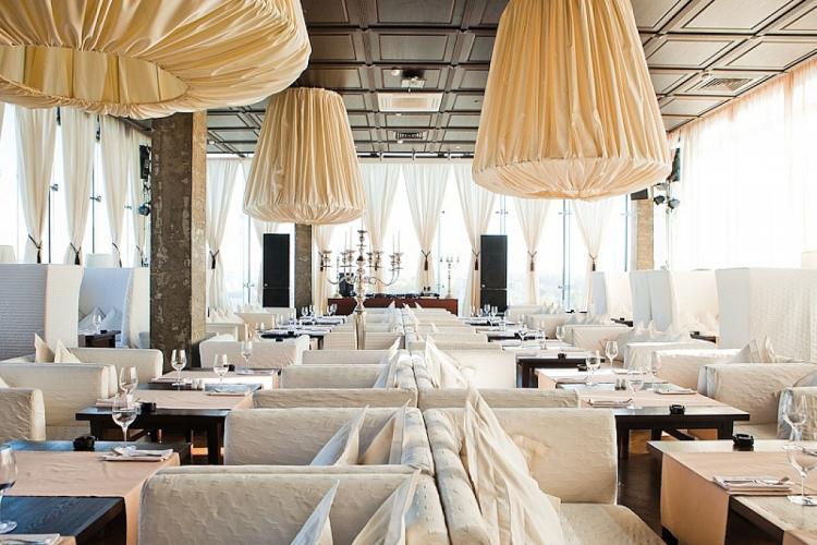 Ресторан «Облака»: панорамный вид на город