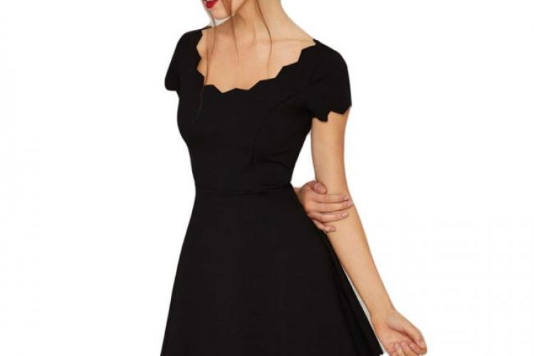 О маленьком черном платье