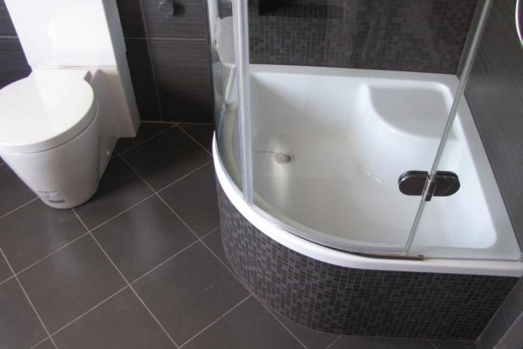 Душевая кабина или ванная: что выбрать женщине?