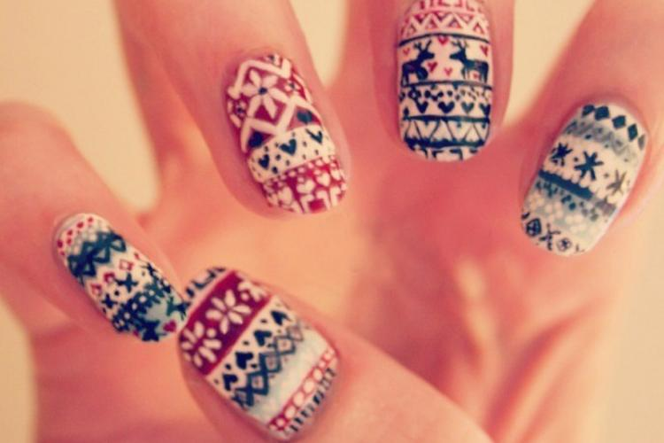 Рождественская тематика на ногтях